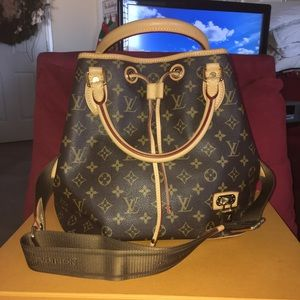 Rare Authentic Louis Vuitton Neo 2 Way